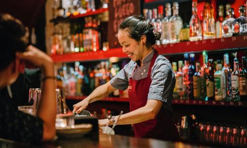 Benefits of Making Bar Reservations - Make Your Reservation